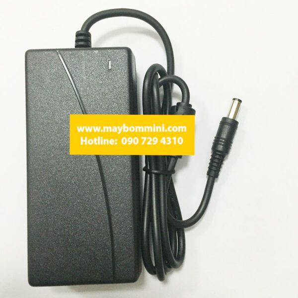 Adapter 220v 12v 6a.jpg